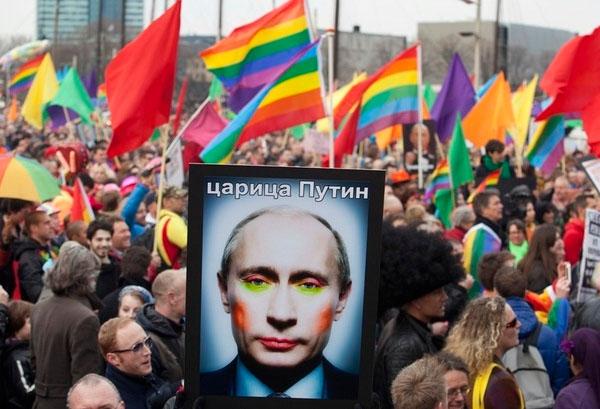 ¡Putin Go 'Homo'!