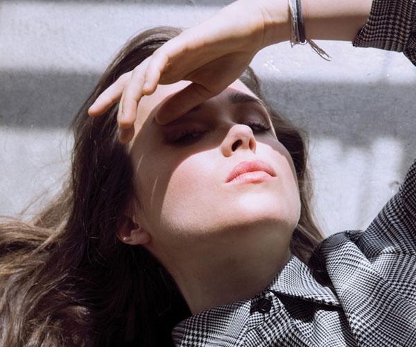 Es lo que tiene... sales del armario, te da el aire, te la el sol y estás más guapa.