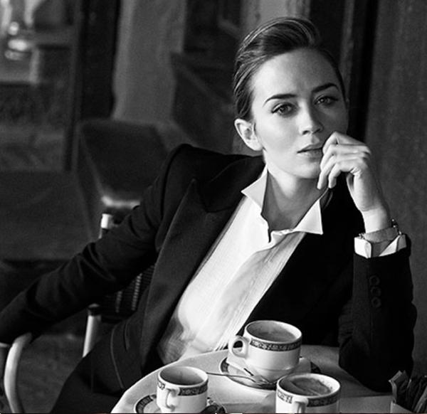 Emily... tú y to tomando café por encima de nuestras posibilidades... piénsalo.