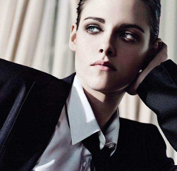 Kristen... tú y yo quemando todas las copias de 'Crepúsculo'... piénsalo.