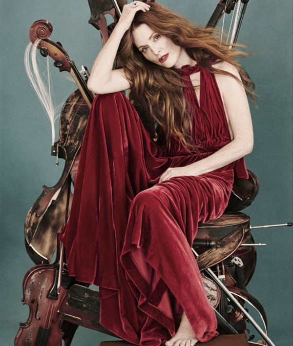 The Queen in the String Throne